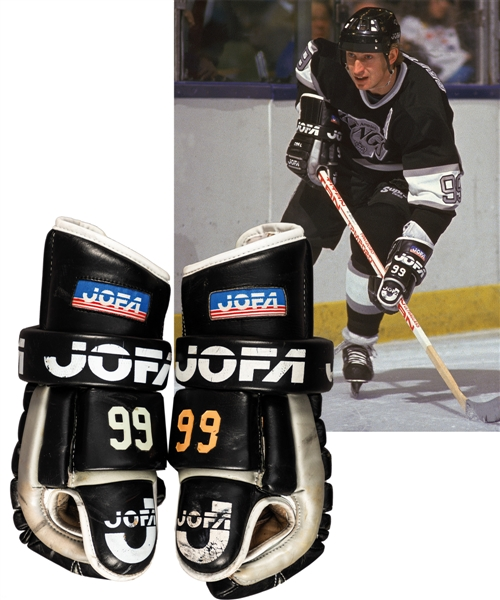 Wayne Gretzky's 1988-89 Los Angeles Kings Jofa Game-Used Gloves! – Hart Memorial Trophy Season! – Photo-Matched!
